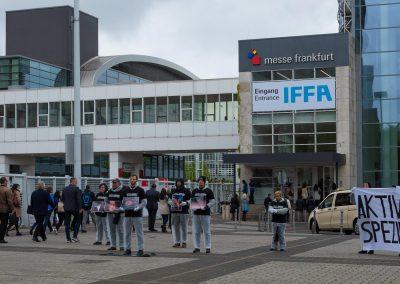 Mahnwache vor der IFFA